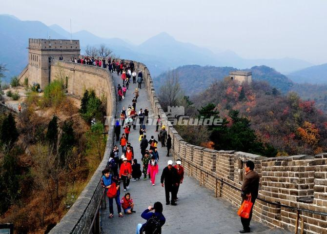 "<a target=""_blank"" href=""http://www.tripchinaguide.com/photo-p204-7157-badaling-great-wall-of-beijing-china.html"">Tourists at Badaling Great Wall </a>"