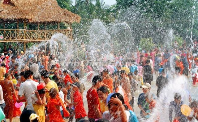 Festival Of Speed >> Dai Water-Sprinkling Festival - Dai Ethnic Group Photos