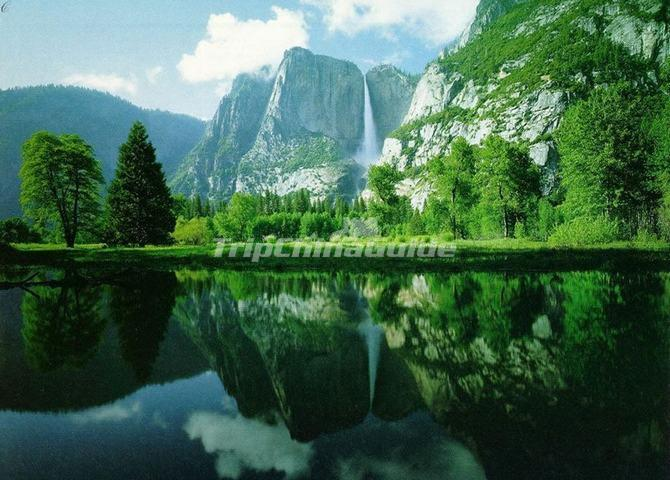 Emerald Valley Charming Scenery Huanghsan China