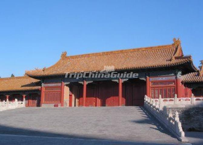 https://www.tripchinaguide.com/public/upload/photo/forbidden-city-architecture/img_208_d20130726110256.jpg