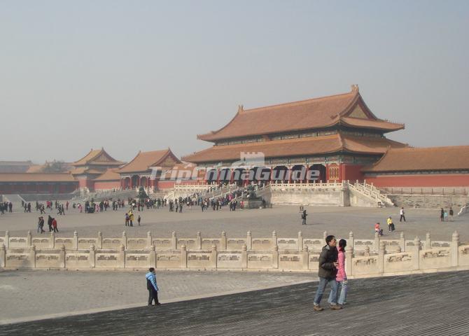 https://www.tripchinaguide.com/public/upload/photo/forbidden-city-architecture/img_545_d20130726110314.jpg