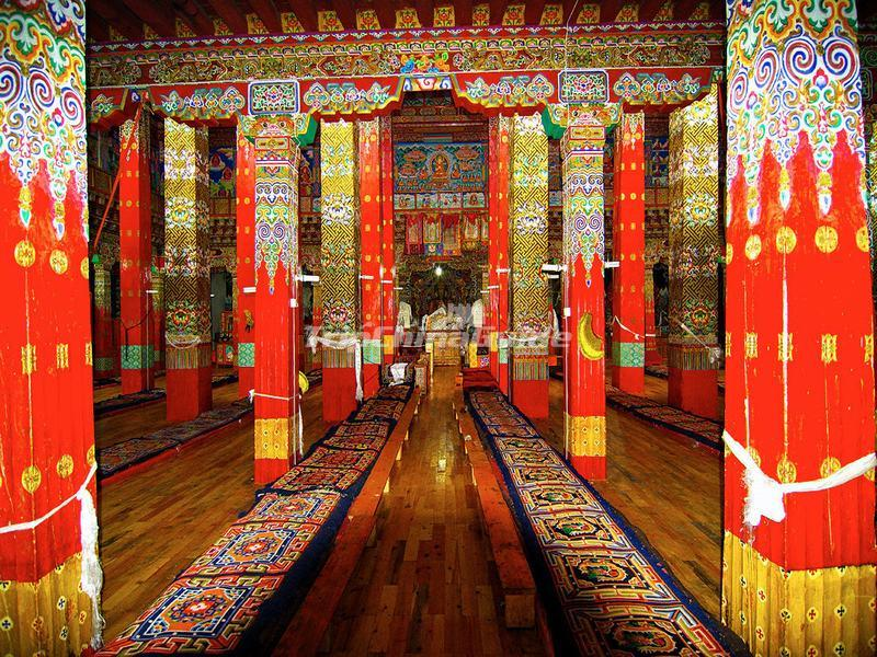 The Prayer Hall of Daocheng Gongalongjiling Temple