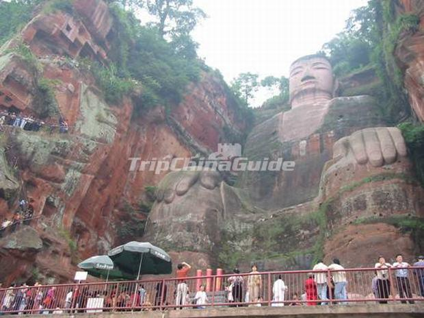 "<a target=""_blank"" href=""http://www.tripchinaguide.com/photo-p13-36-the-giant-stone-buddha-at-leshan-mountain-chengdu.html"">The Giant Stone Buddha at Leshan Mountain Chengdu</a>"