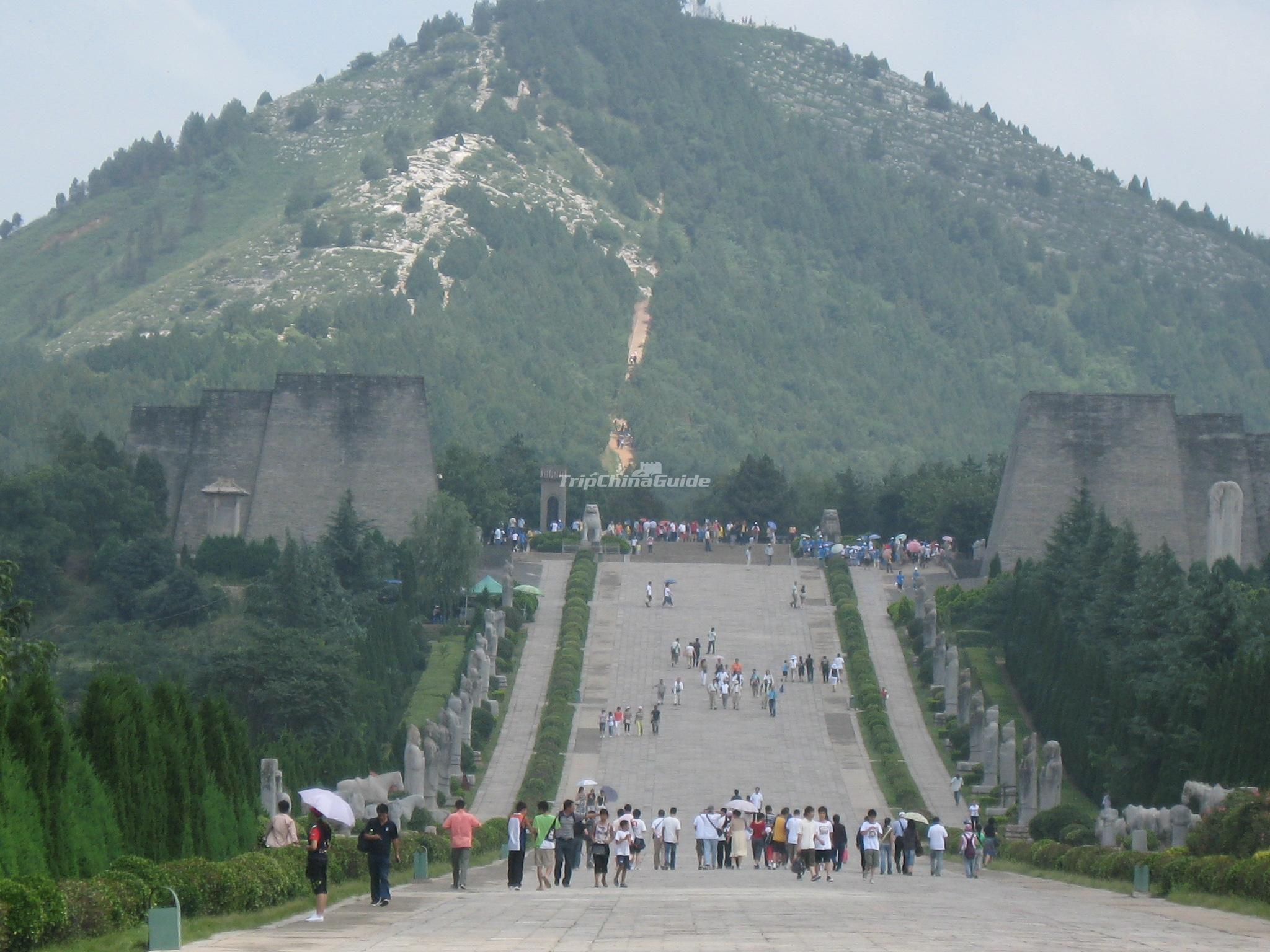 Xianyang Qianling Mausoleum Qianling Mausoleum