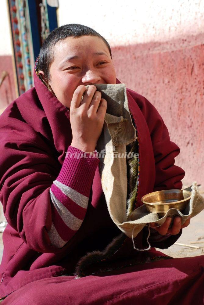 how to become a tibetan nun