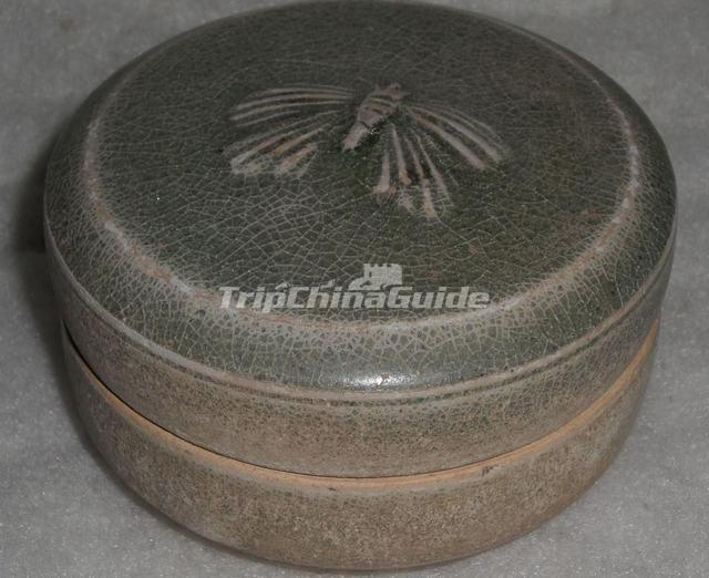 Green Glaze Powder Compact with Butterfly Design Sui Dynasty