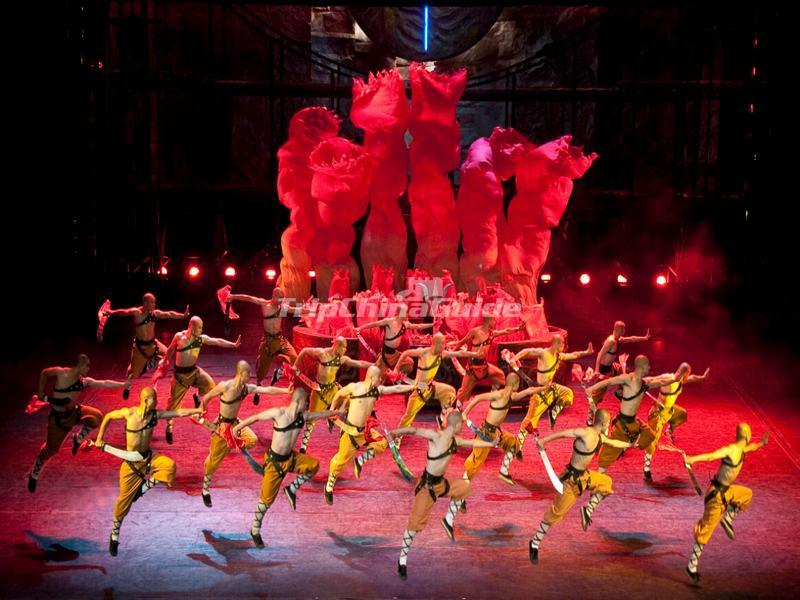 "<a target=""_blank"" href=""http://www.tripchinaguide.com/photo-p849-12210-beijing-kung-fu-show-the-legend-of-kung-fu-at-red-theatre.html"">The Legend of Kung Fu at Red Theatre</a>"