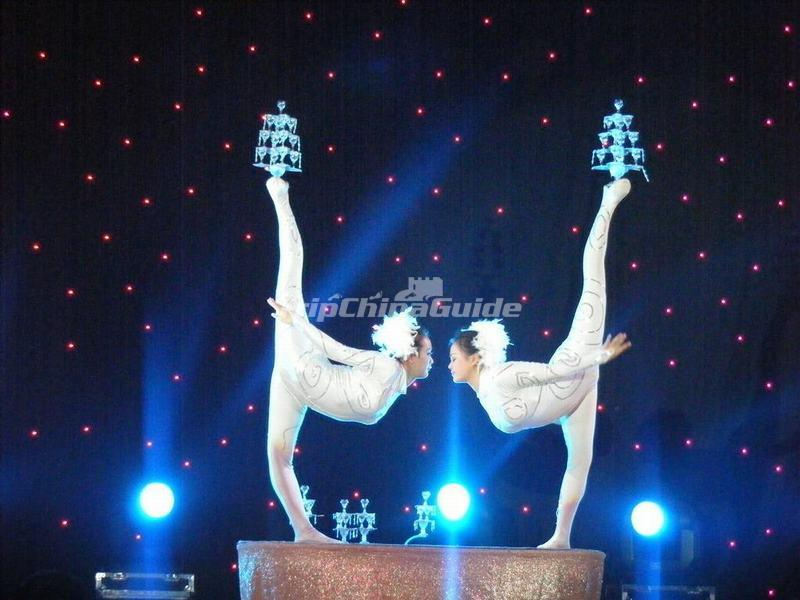 "<a target=""_blank"" href=""http://www.tripchinaguide.com/photo-p852-12283-beijing-acrobatics-show.html"">Acrobatics Show by Beijing Beijing Acrobatic Troupe</a>"