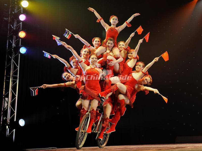 "<a target=""_blank"" href=""http://www.tripchinaguide.com/photo-p852-12288-acrabatics-night-show-in-tianqiao-acrobatics-theater.html"">Acrabatics Night Show in Tianqiao Acrobatics Theater</a>"