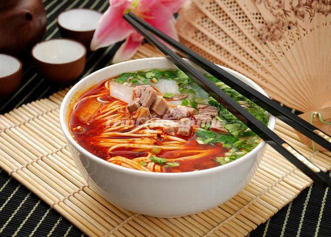 Lanzhou 39 s hand pulled noodles lanzhou lamian top 10 for 10 facts about chinese cuisine