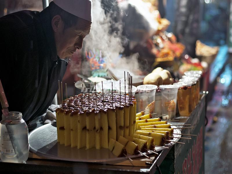 "<a target=""_blank"" href=""http://www.tripchinaguide.com/photo-p210-14063-the-snack-food-in-xi-an-muslim-quarters.html"">The Snack Food in Xi'an Muslim Quarters</a>"