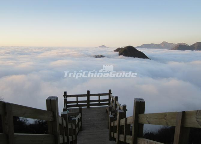 Sea of Clouds Over the Xiling Snow Mountian