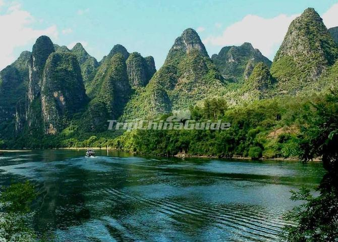 Hiking the Li River China