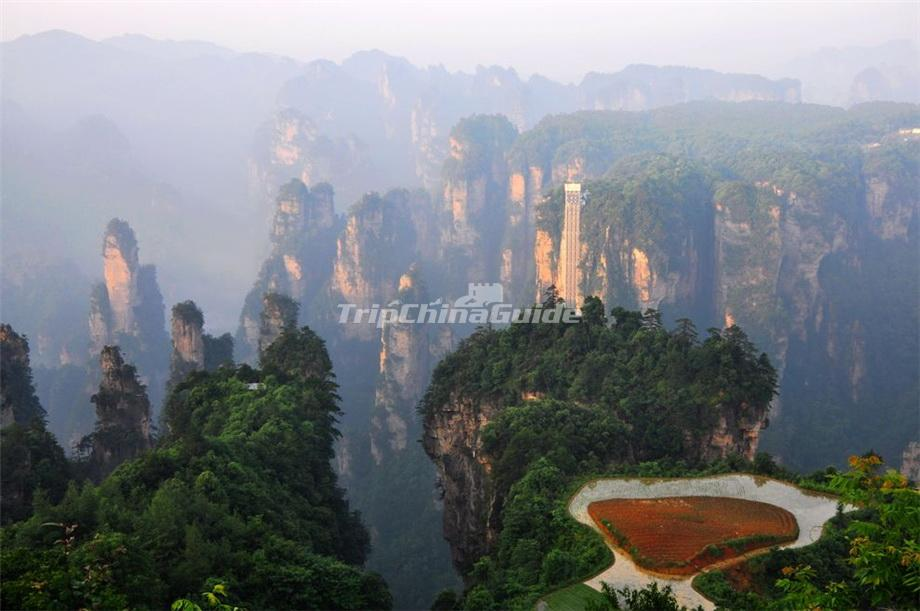 China Hunan Zhangjiajie National Forest Park furthermore Zhangjiajie National Forest Park China in addition Avatar Hallelujah Mountain as well Zhangjiajie National Forest Park China further Rock Spires Zhangjiajie China. on zhangiejie
